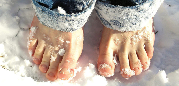 Cold feet in winter: Reasons and Solutions